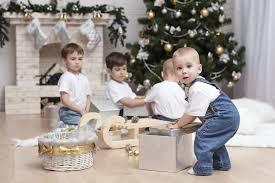Prezenty gwiazdkowe: co na święta dla dziecka? Sprawdź, co najczęściej  kupują rodzice i za ile - Mjakmama.pl